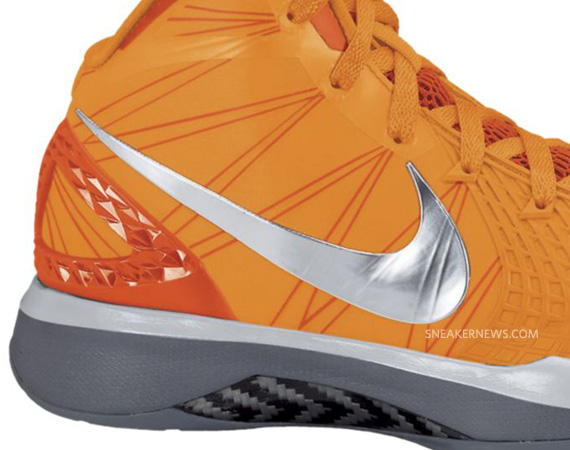 nike-zoom-hyperdunk-2011-supreme-orange-grey-04