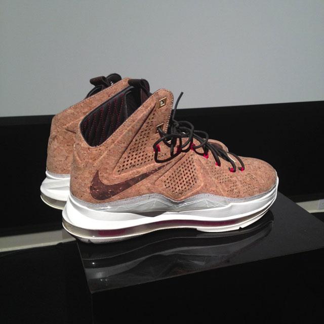 Nike Lebron X     CorkNike Lebron X Cork Box