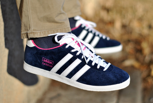 adidas gazelle og bleu marine rose sneakers. Black Bedroom Furniture Sets. Home Design Ideas