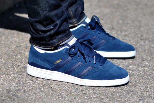adidas bleue