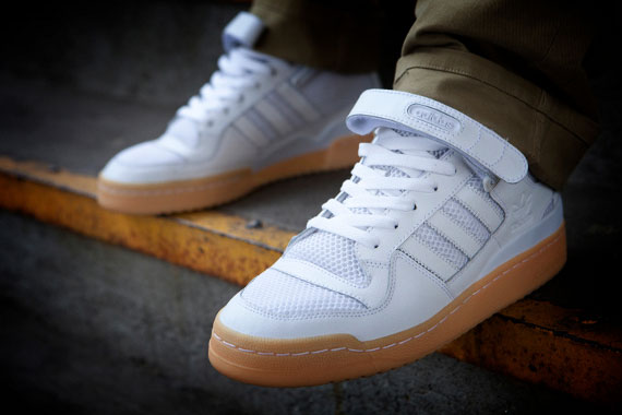 low priced 47cde e1307 adidas forum low