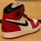 air-jordan-1whiteblackred-2013-3