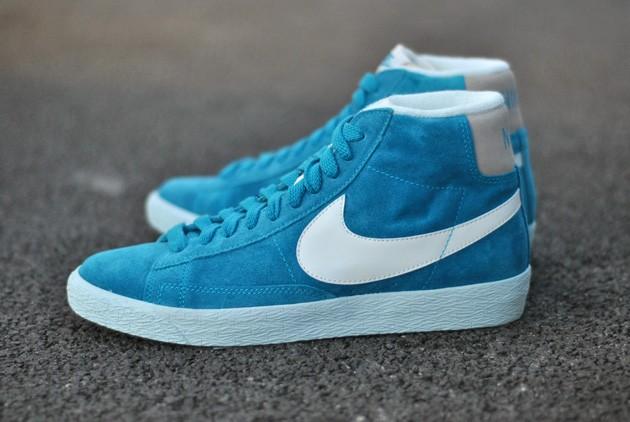 nike bleu blazer