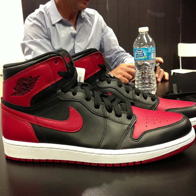 Air Jordan 1 Black/Red BRED - 28 décembre 2013 | Sneakers