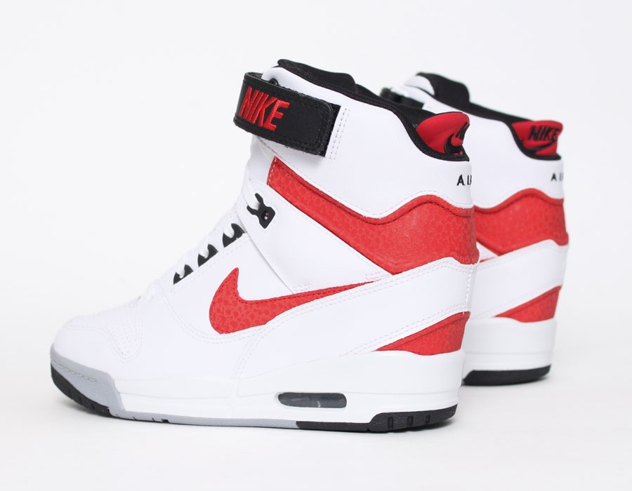 nike air revolution sky high 2013