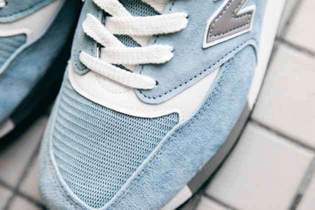 new balance bleu clair