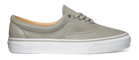 vans-era-sneakers-3