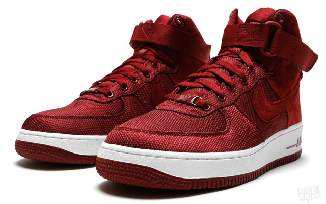 Nike Air Force 1 High Bordeaux - Sneakers.fr