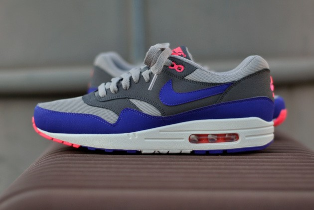 Muscular Independencia Hambre  Nike Air Max 1 Gris Ultramarine - Disponible - Sneakers.fr