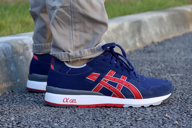 0ba3ef253d07 Asics GT-II Bleu/Rouge - Disponible - Sneakers.fr