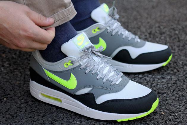 super populaire 6321b e206f Nike Air Max 1 Gris/Volt - Disponible - Sneakers.fr