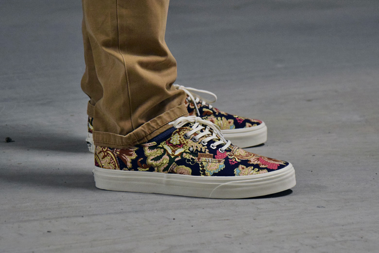 vans-authentic-california-royal-paisley-6