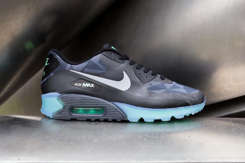 78645da700daf5 ... new arrivals 5f314 0371f La Nike Air Max 90 Hyperfuse en version Ice ...