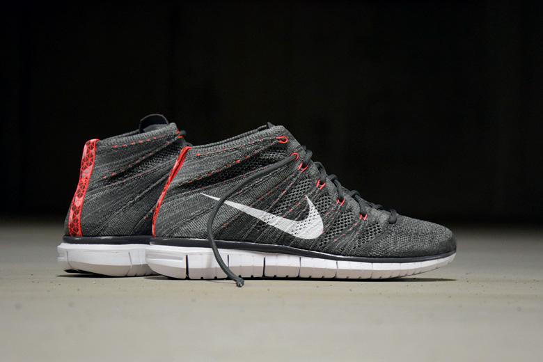 Nike Free Fog Flyknit Chukka Midnight Fog Free Bright Crimson Chaussuress 8ee1da