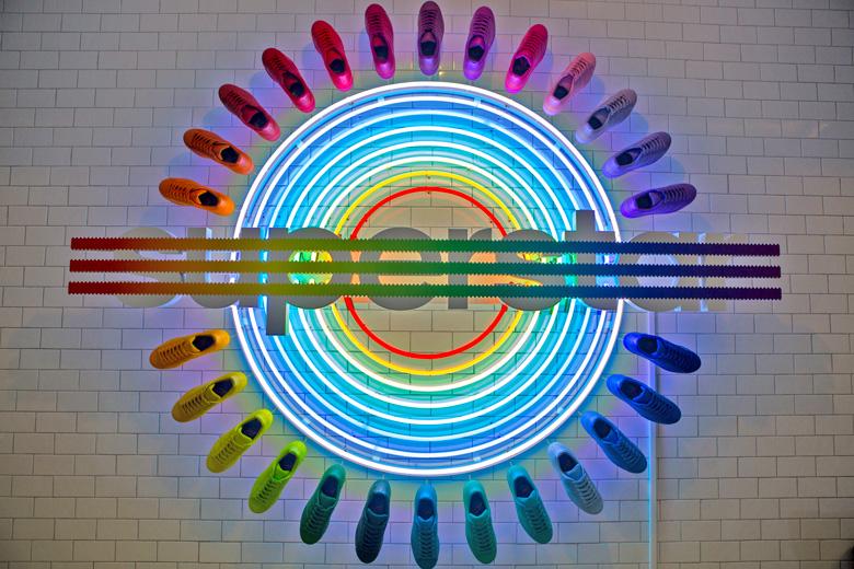 adidas-superstar-rainbow-pharrell-williams