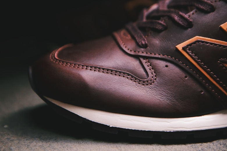 New Balance 996 « Burgundy & Tan » avec Horween