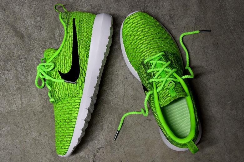 revendeur f50b2 34f04 Nike Flyknit Roshe Run Volt/Black - Sneakers.fr