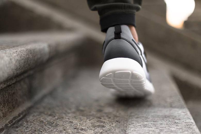 Nike Roshe Run « Faded Print »