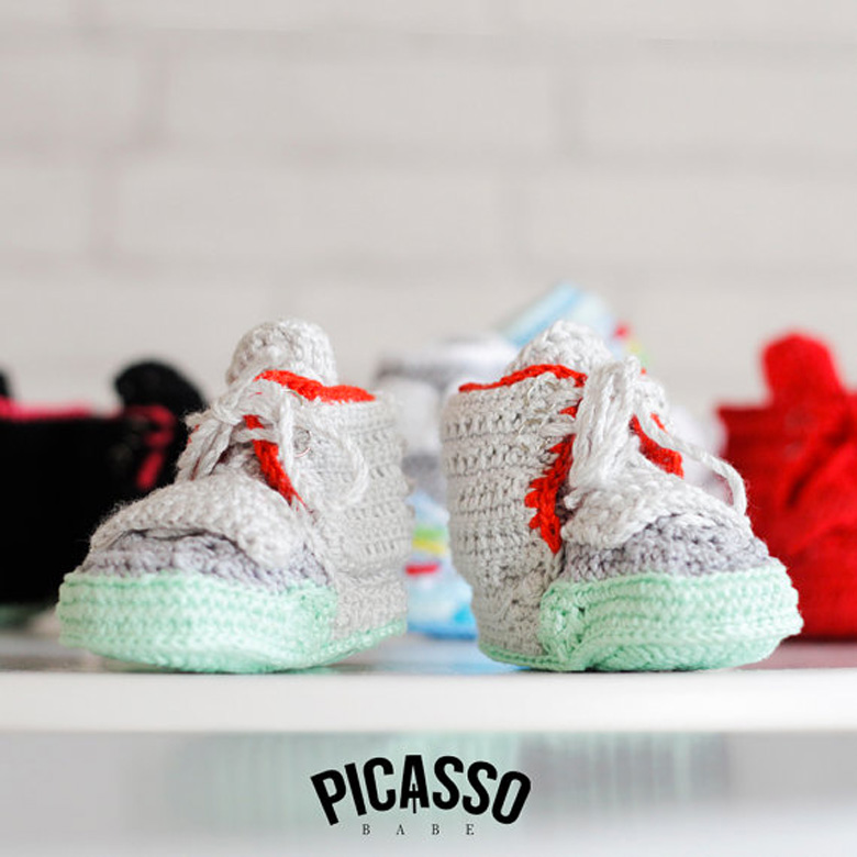 Baby Sneakers Crochet avec les Nike Yeezy et adidas Yeezy Sneakers ...