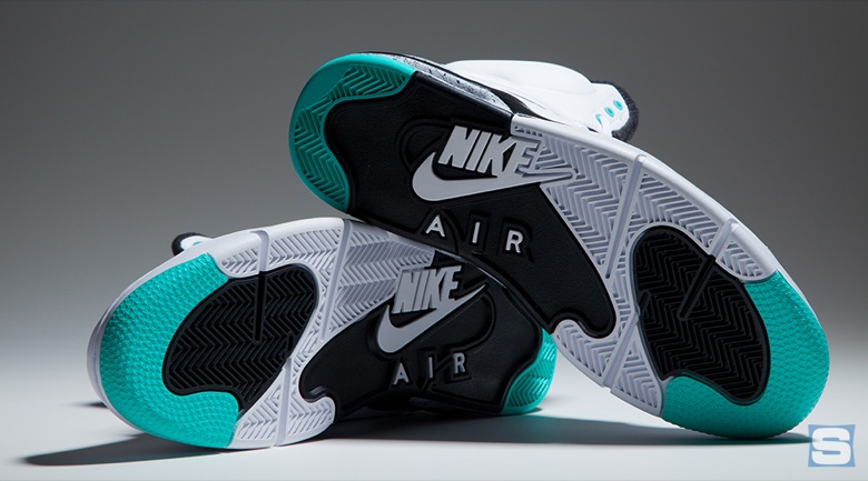 nike-air-command-force-emerald-avril2-2015-3