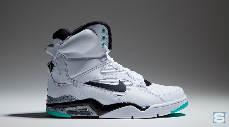 nike-air-command-force-emerald-avril2-2015-5