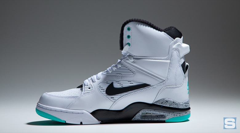 nike-air-command-force-emerald-avril2-2015-6
