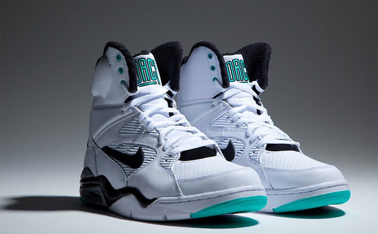 nike-air-command-force-emerald-avril-2015