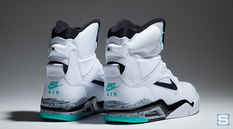 nike-air-command-force-emerald-avril2-2015-4
