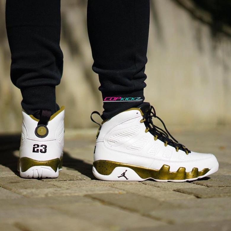 first rate 833a8 234ba ... copper statue retro basketball shoes white black b3bde 59bc7  top  quality nike air jordan 9 retro statue 5b0b6 66204