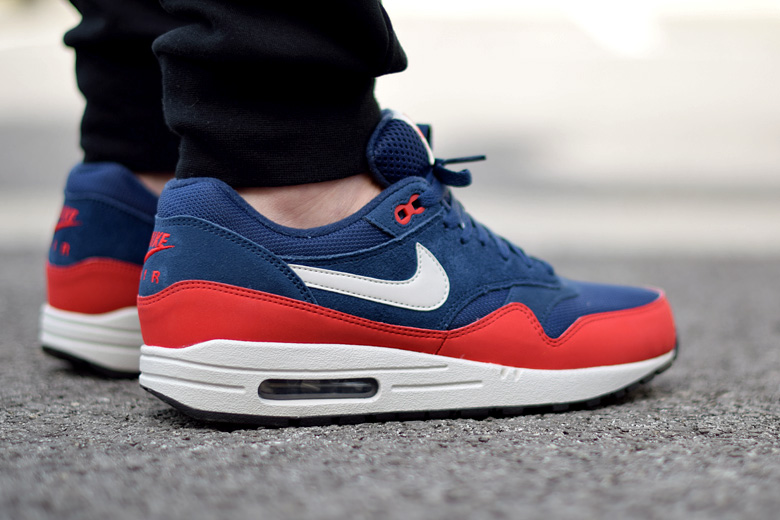 air max one rouge et bleu