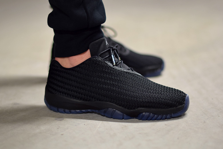 jordan future low gamma nouvelles images sneakers. Black Bedroom Furniture Sets. Home Design Ideas