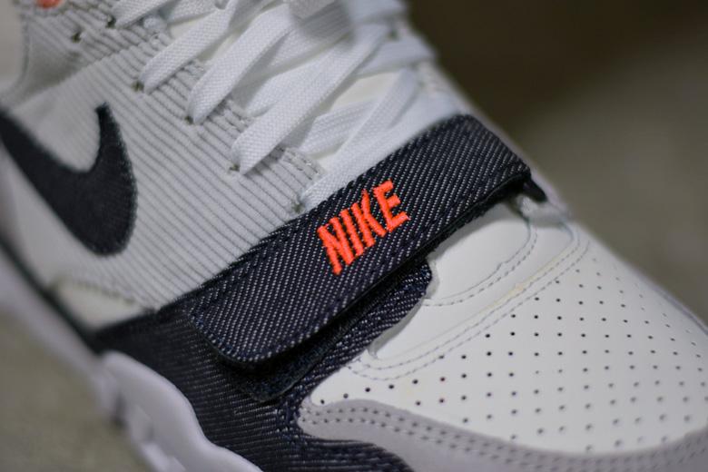 7f22f86ee55f ... La Nike Air Trainer 1 Denim vient de sortir. ...