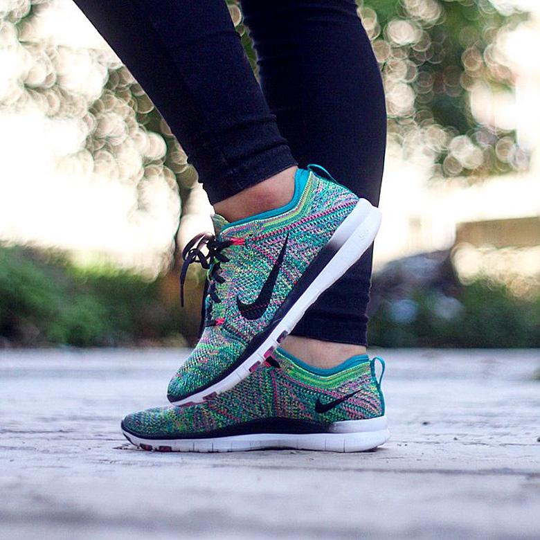 new products 2d95f cb379 Cette Nike Free Flyknit TR est disponible en ligne sur SNKRS. ACHETER CE  MODELE