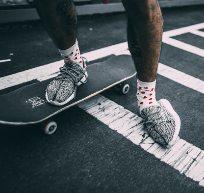 skate-Adidas-Yeezy-350-boost