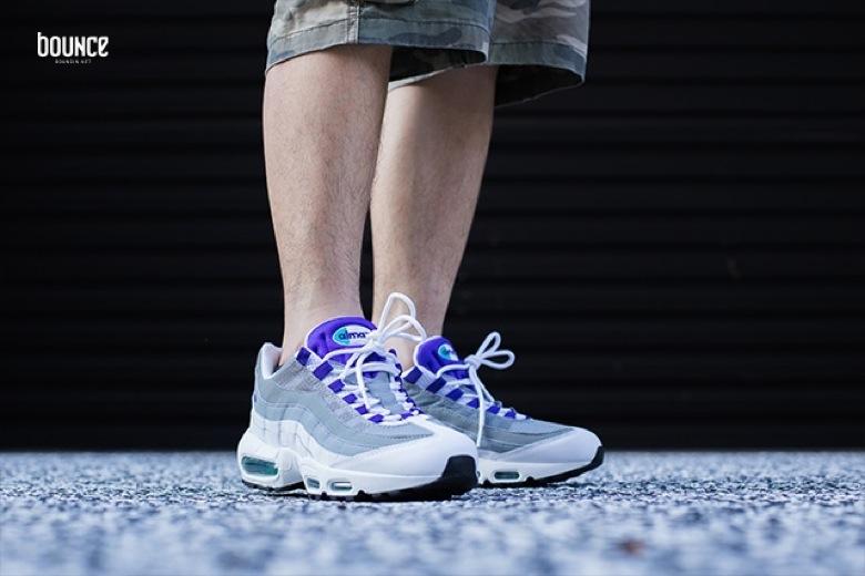 Nike Air Max 95 OG White Grape. Code SKU : 554970 151. Prix : 169€ Date de sortie : août 2015