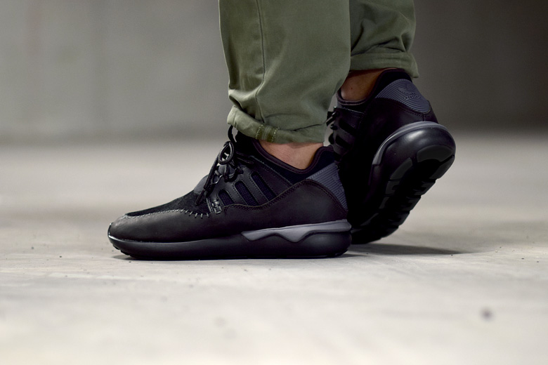 brand new 03135 a650c adidas Tubular Moc Runner Black - Sneakers.fr