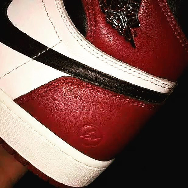 air-jordan-1-black-toe-fragment
