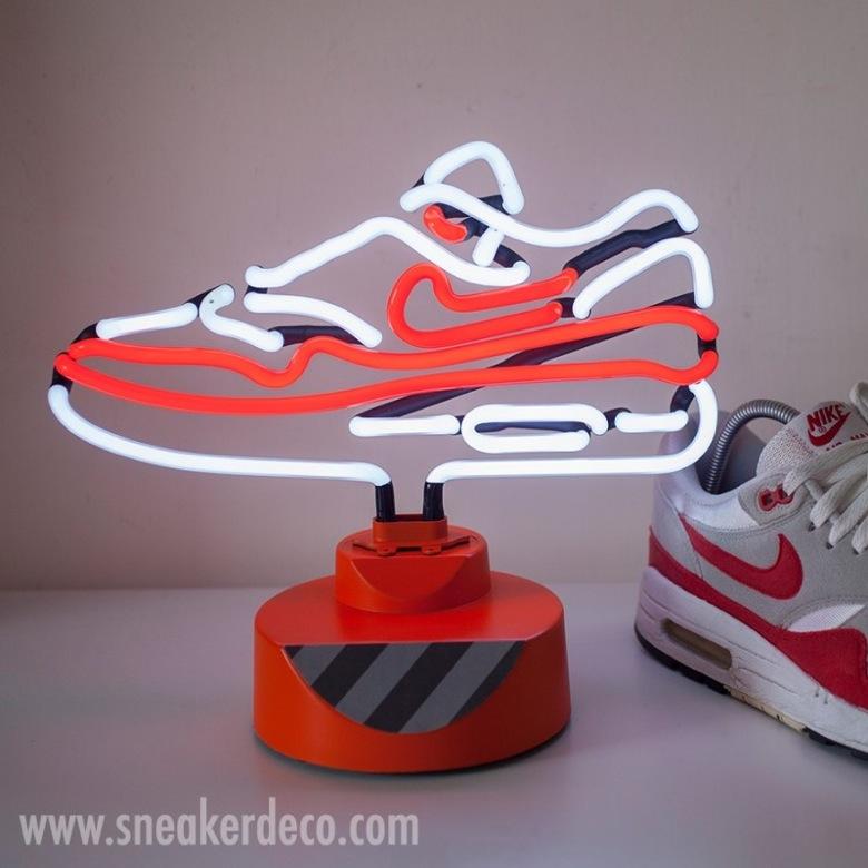 lampe neon nike air max-1