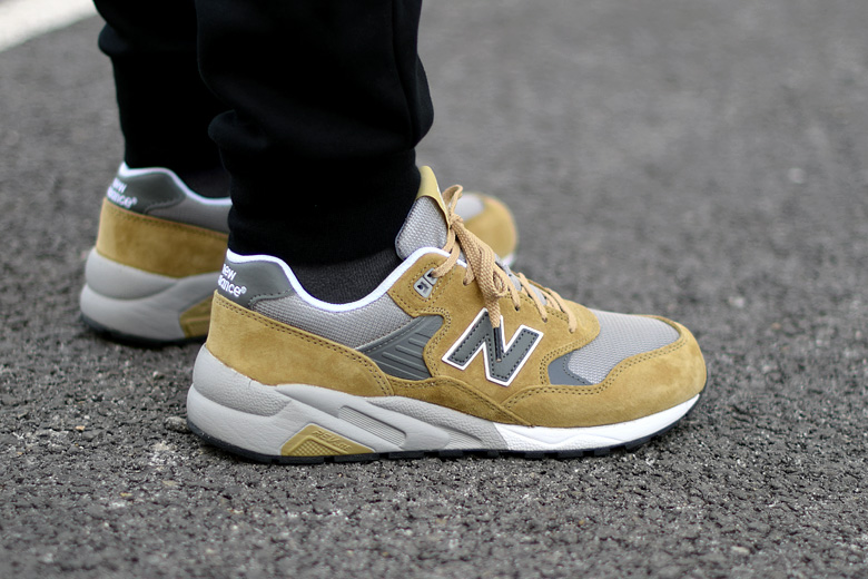 New Balance 580 Beige