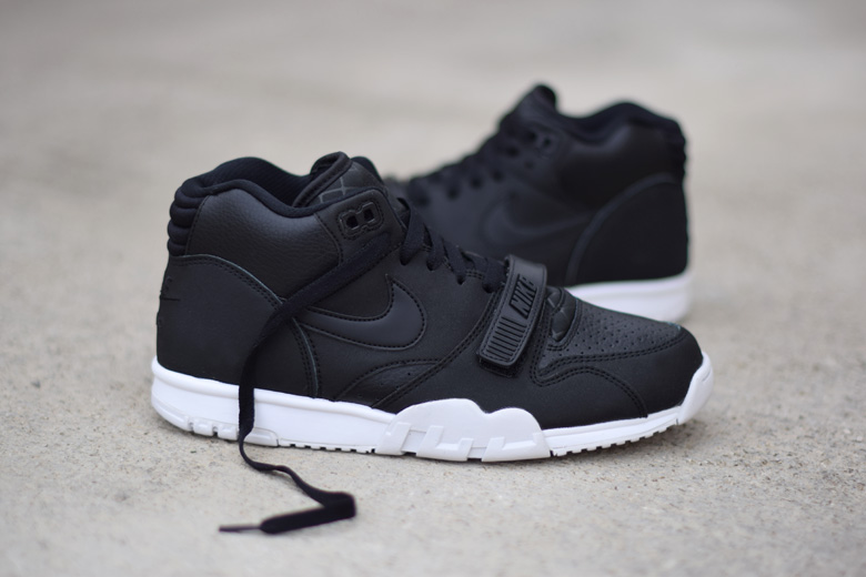nike-air-trainer-1-black-white-5