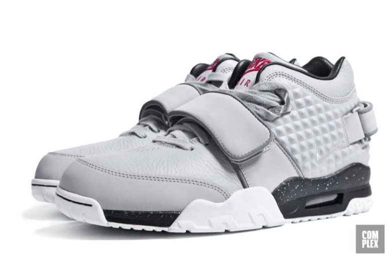nike air trainer cruz-7