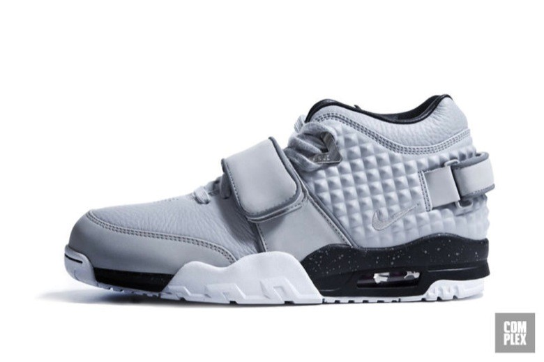 nike air trainer cruz-8