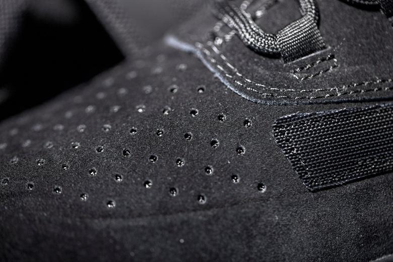 adidas originals yeezy 750 boost triple black-4