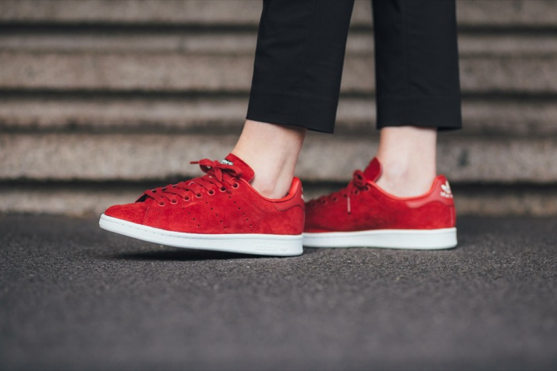 stan smith en daim rouge