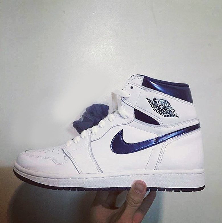 air-jordan-1-metallic-navy