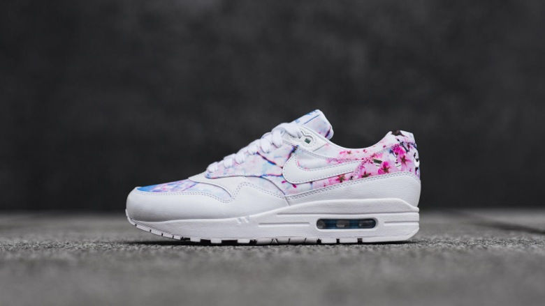 nike-air-max-1-cherry-blossom-1
