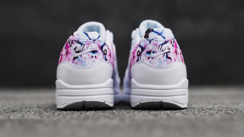 nike-air-max-1-cherry-blossom-3
