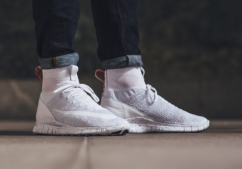 f37c19cb24545 Nike Free Flyknit Mercurial Superfly « Royal Game » et « Triple ...