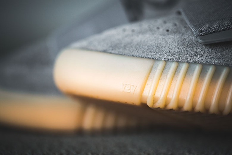 adidas yeezy boost 750 light grey gum-4