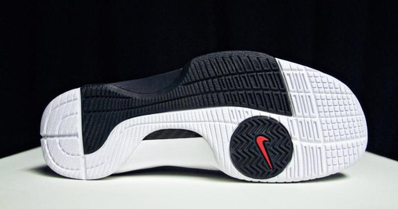 Nike-Hyperdunk-United-We-Rise-OG-3